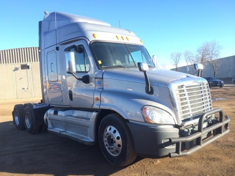 2013 Freightliner Cascadia 125  Conventional - Sleeper Truck