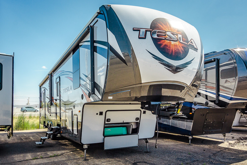 2017 Evergreen Rv TESLA 3212
