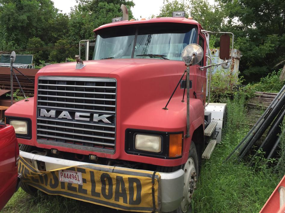 1997 Mack Ch613 Tractor