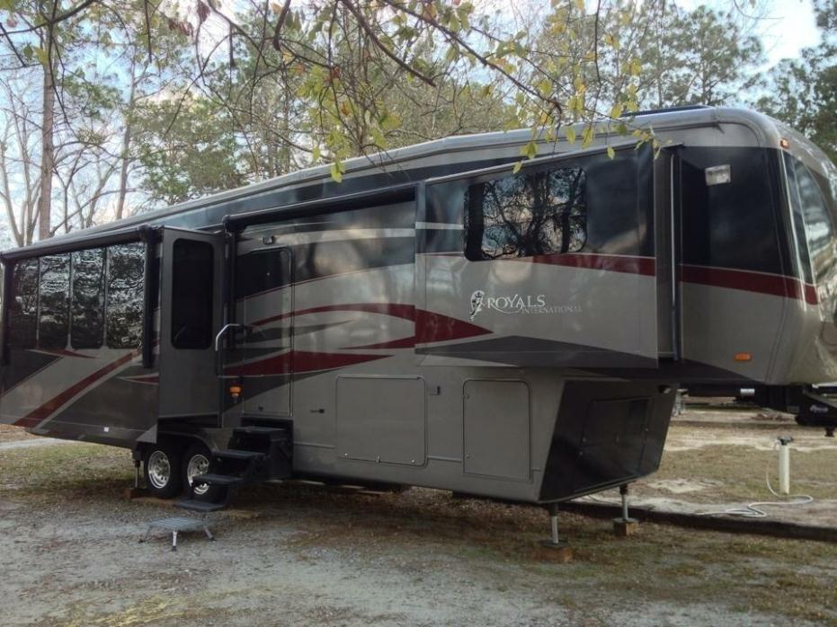 2010 Carriage Royals International 36MAX1