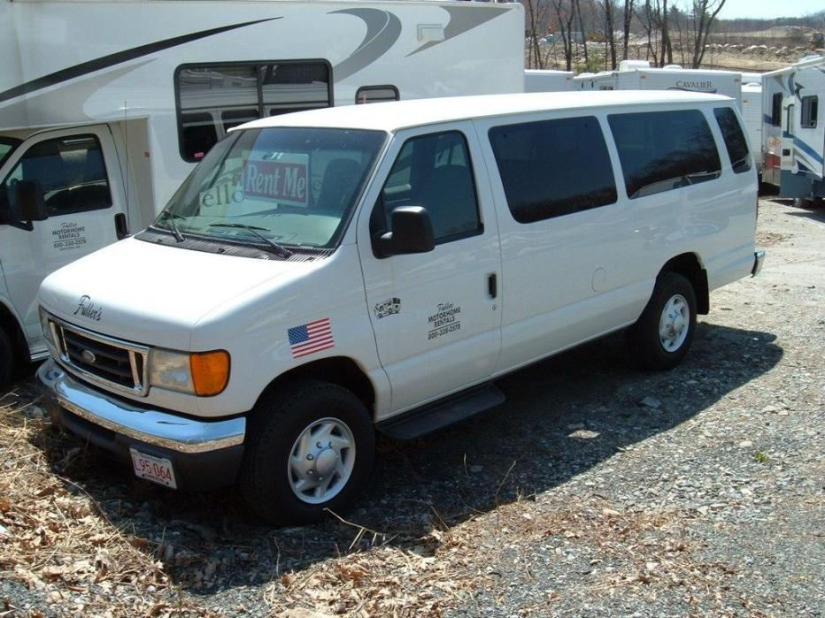 2006 Ford 15 passenger Van