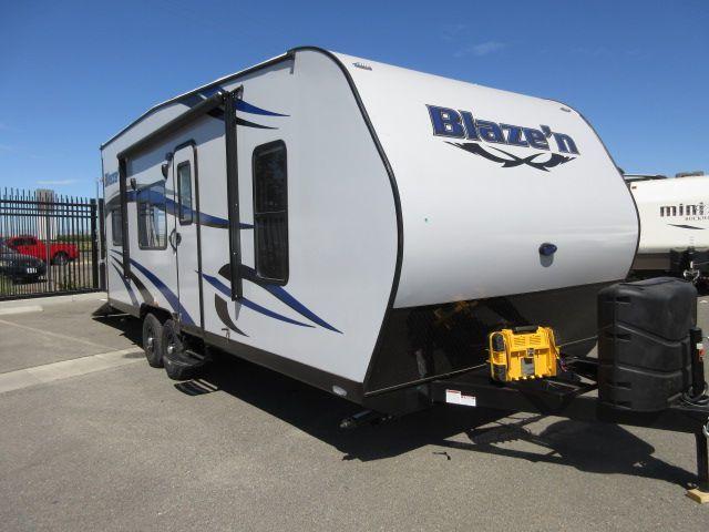 2017 Pacific Coachworks BLAZE N 21FS FRONT SLEEPER / REAR ELEC