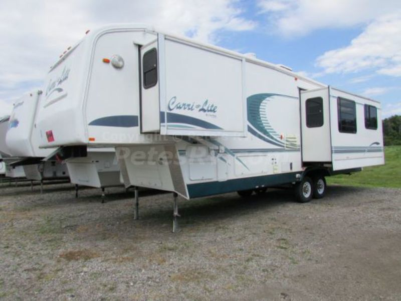 2001 Carriage Carri-Lite 736KS
