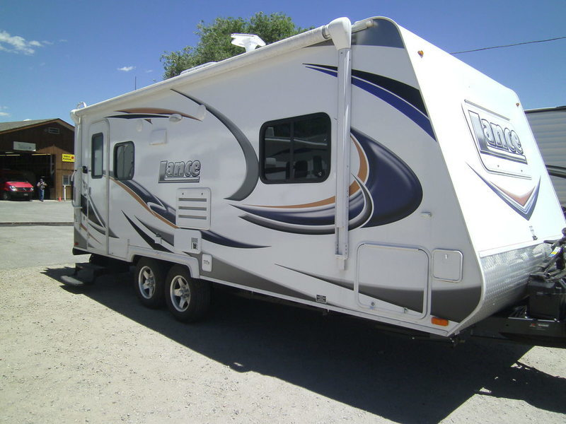 2013 Lance Travel Trailer 1885