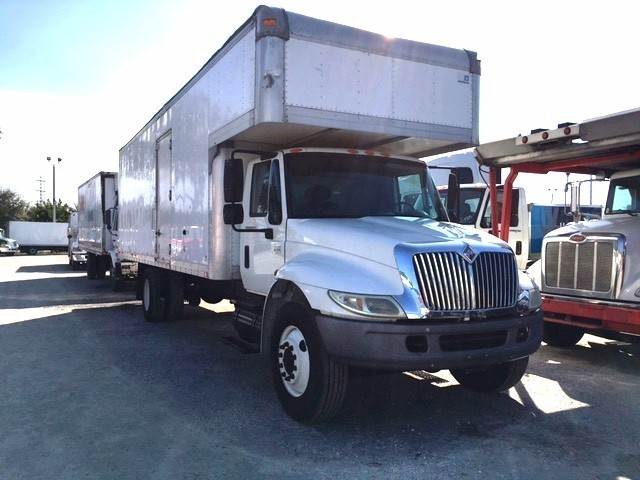 2004 International Durastar 4400 Moving Van