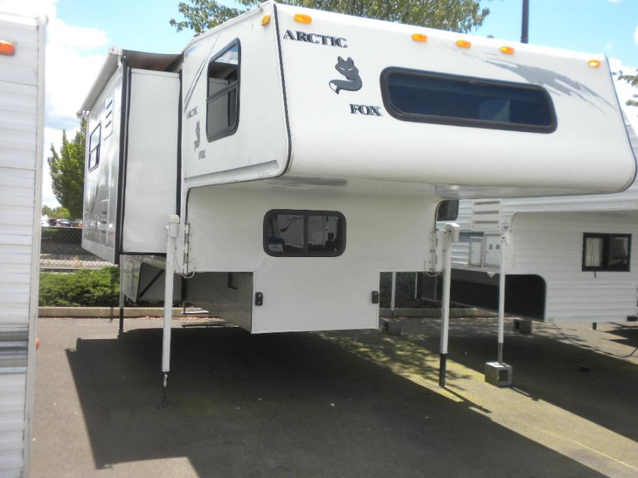 2003 Arctic Fox 1150 camper with slide