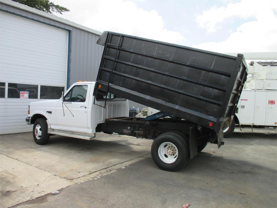 1997 Ford F450 Xl Sd Dump Truck