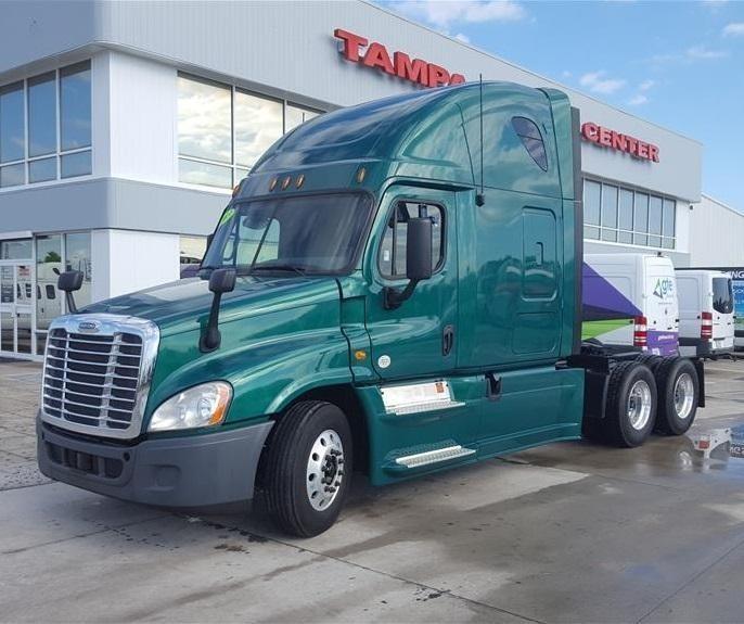 2013 Freightliner Cascadia Fuel Truck - Lube Truck