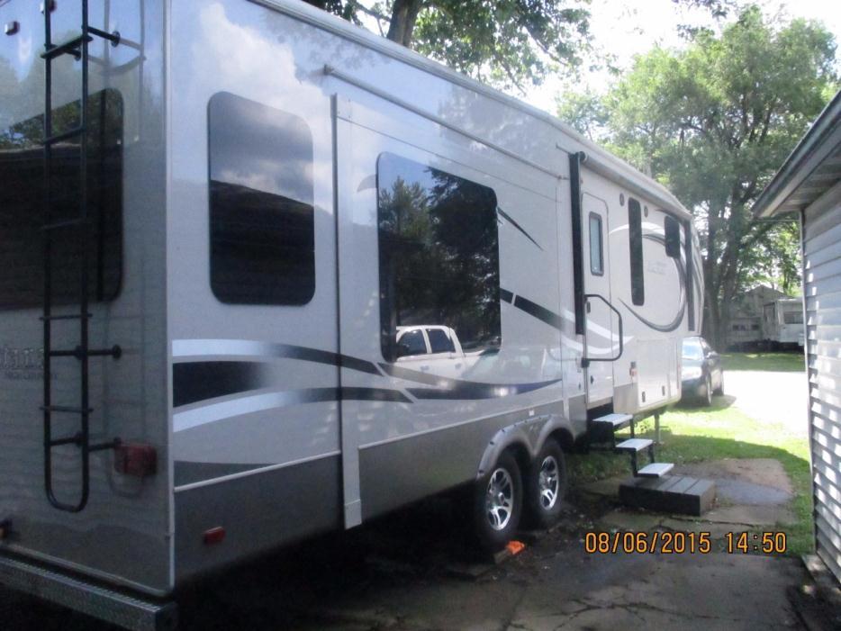 2014 Keystone Montana High Country 325RL