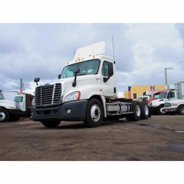 2011 Freightliner Cascadia Cab Chassis