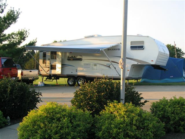2005 Forest River Rockwood Signature 8285SS