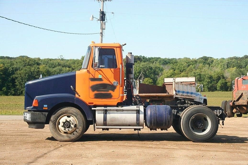 1993 White/Gmc Wca42t Conventional - Day Cab
