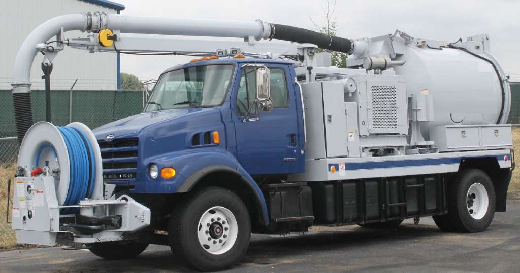 2002 Vac-Con V305lha/850 Combination Sewer Cleaner Tanker Trailer