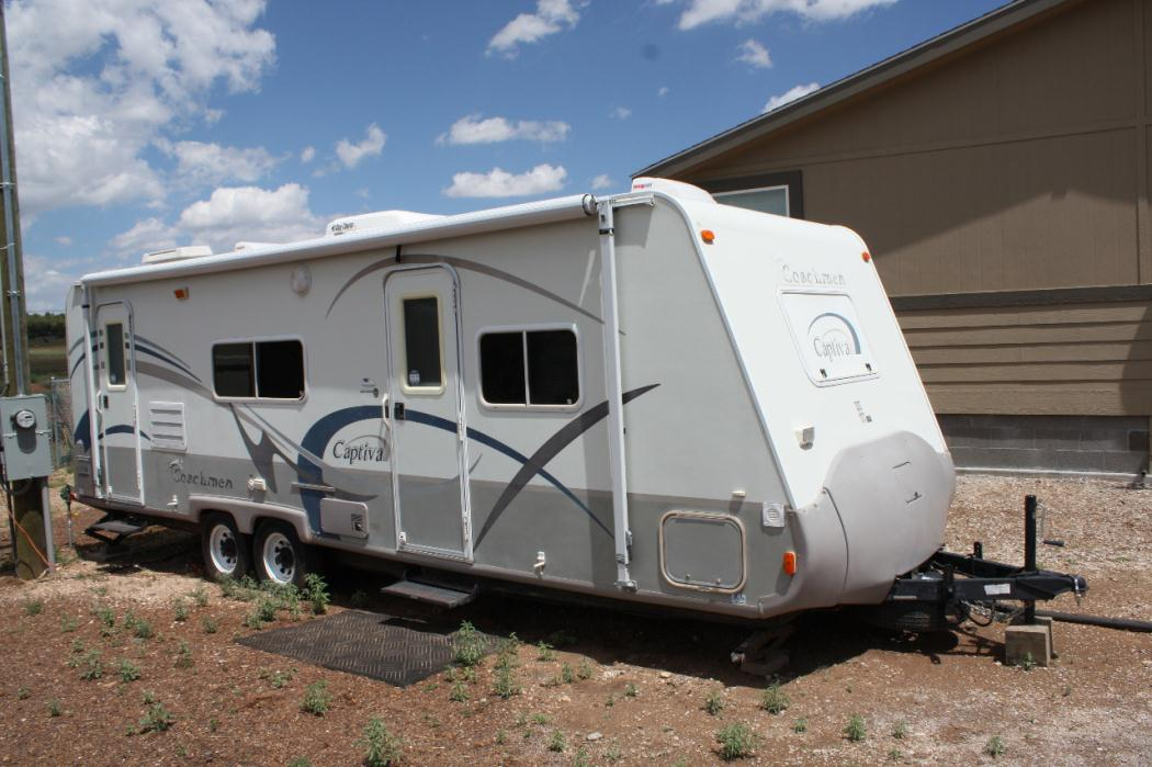 2005 Coachmen Captiva 266RKS