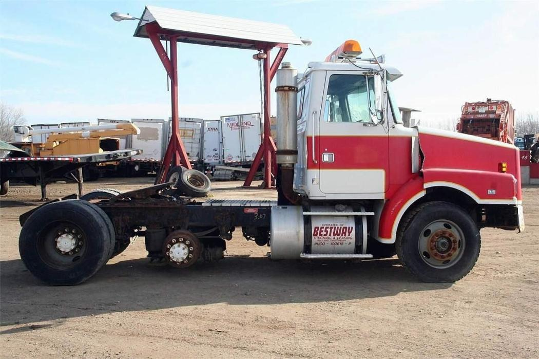 1995 White/Gmc Wg64t Cab Chassis