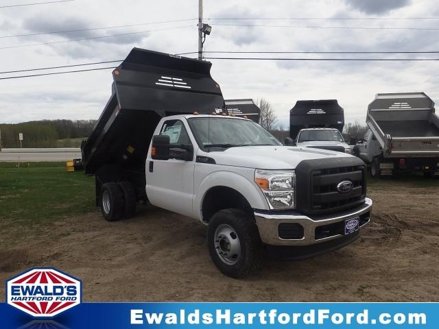 2016 Ford Super Duty F-350 Drw  Contractor Truck