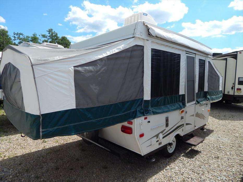 2009 Palomino Pony 2100 Two Pull Out Beds
