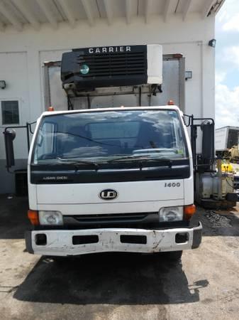 2002 Ud Trucks 1400  Refrigerated Truck