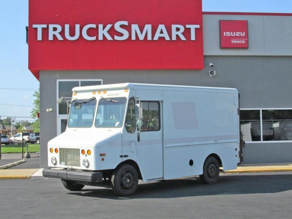 2002 Freightliner Mt45 Dry Van