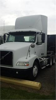 2009 Volvo Vnm420  Conventional - Day Cab