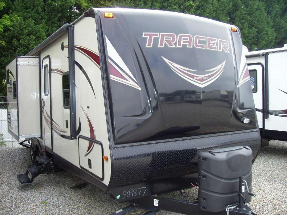 2016 Prime Time Tracer 2750RBS