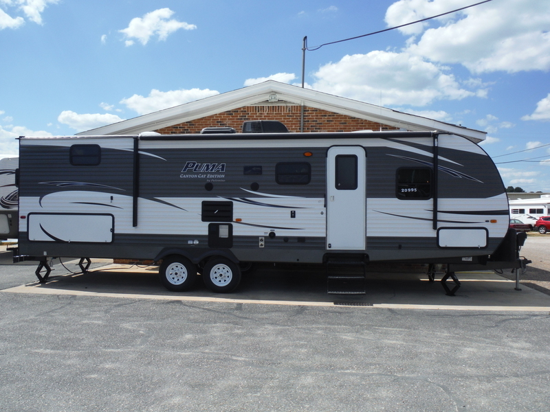 2016 Palomino Canyon Cat 30DBSC
