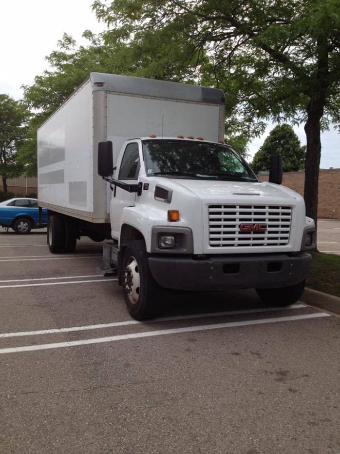 2005 Gmc C7500  Box Truck - Straight Truck
