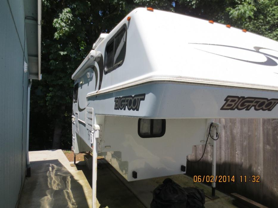 Bigfoot 25c10 6e rvs for sale 2008 bigfoot 25c 106e publicscrutiny Choice Image