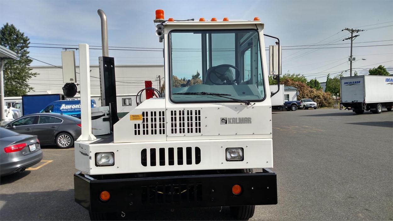 2012 Ottawa T2  Yard Spotter Truck
