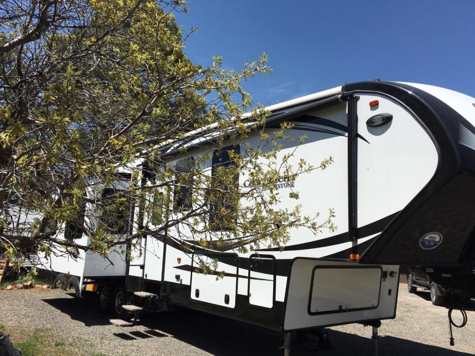 2015 Coachmen Brookstone 325RL