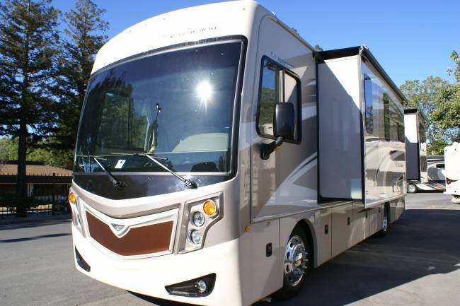 2015 Fleetwood Excursion 33D