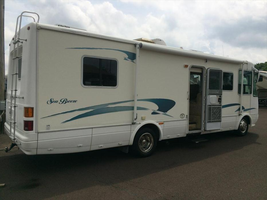 2001 National Rv Sea Breeze 1300