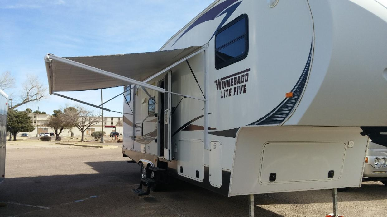 2012 Winnebago Lite Five 28FWBH