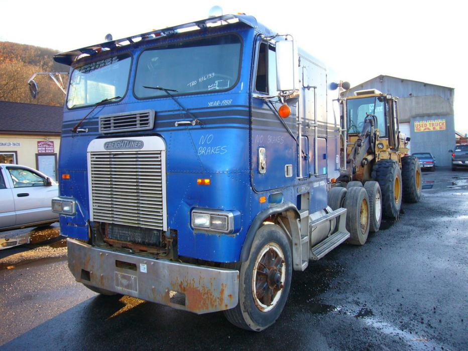 1988 Freightliner Coe Cabover Truck - Sleeper