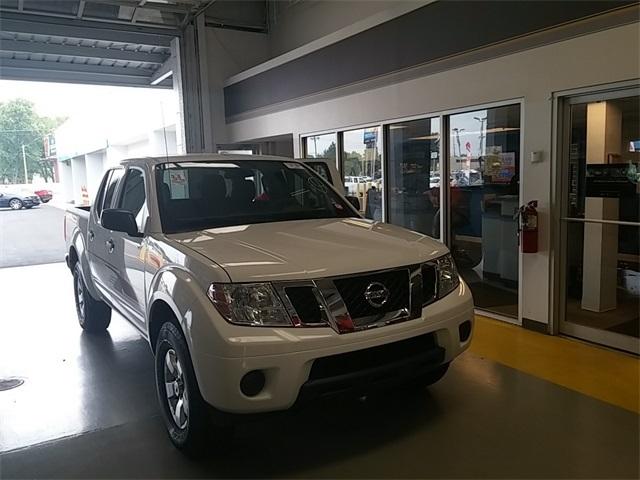2013 Nissan Frontier  Crew Cab