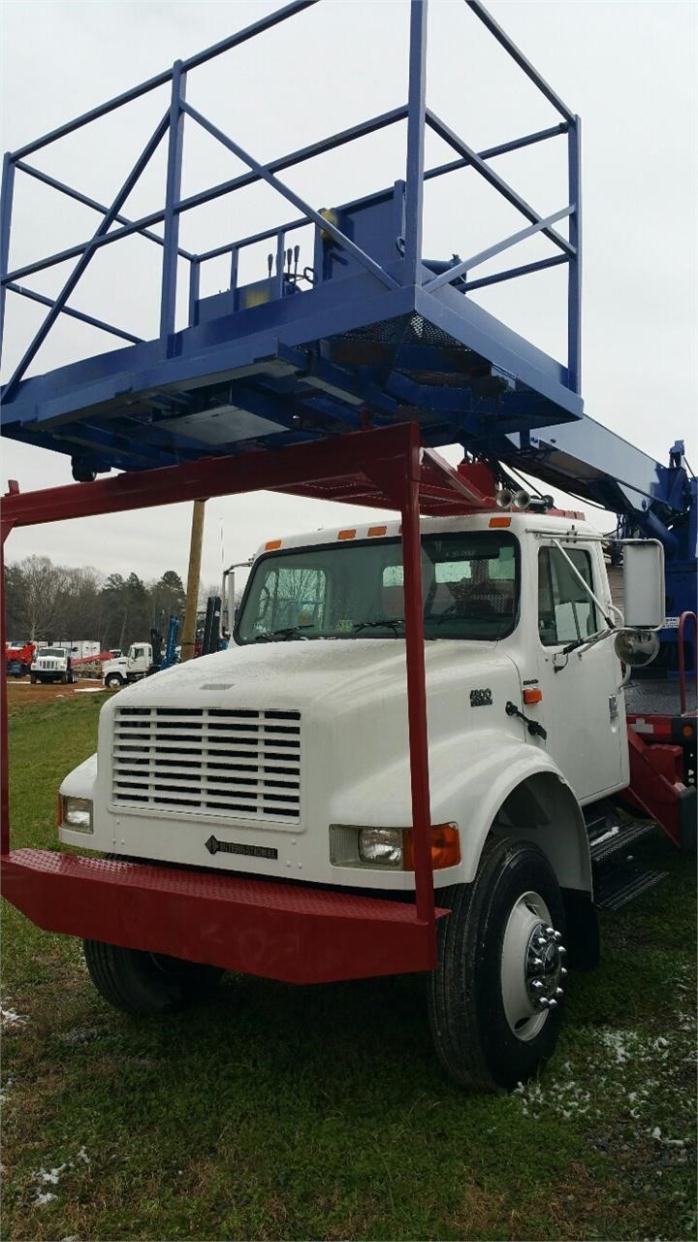 2001 International 4800 Bucket Truck - Boom Truck