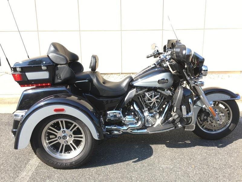 2012 Harley-Davidson FLHTCU - Electra Glide Ultra Classic