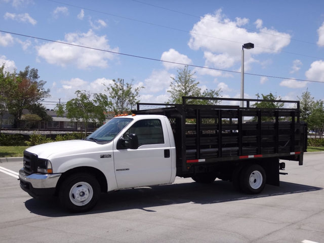 2002 Ford Super Duty F-350 Drw Cab-Chassis  Flatbed Truck