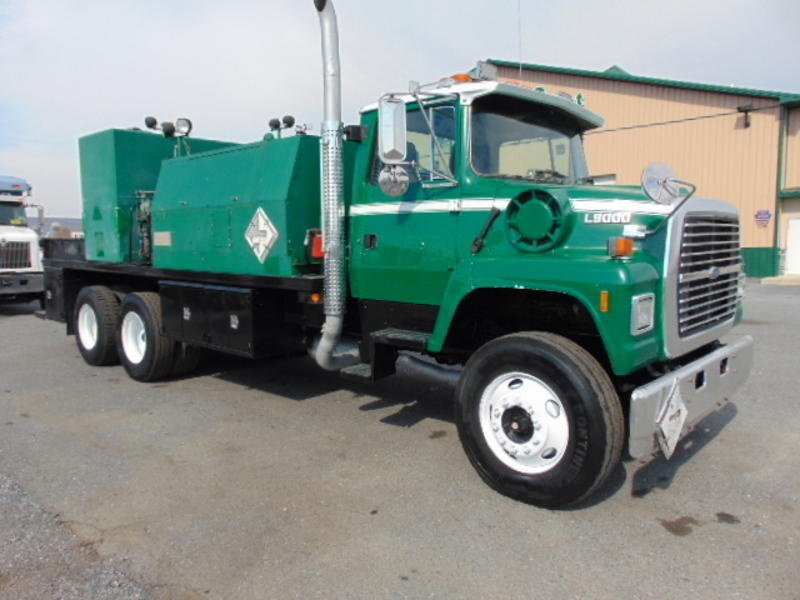 1995 Ford Lnt9000 Fuel Truck - Lube Truck