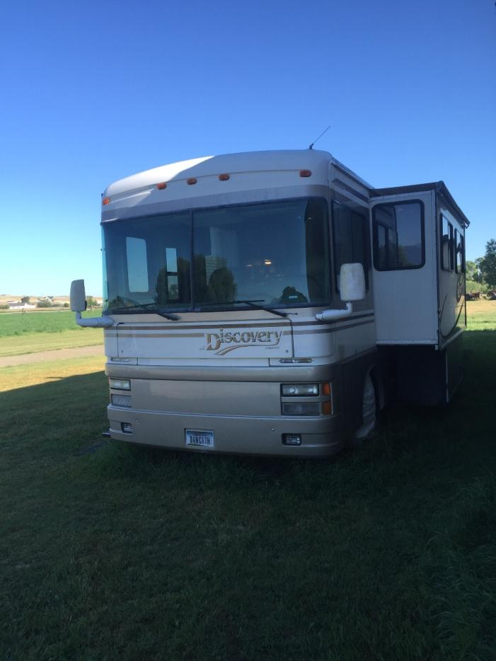 1999 Fleetwood Discovery 37V