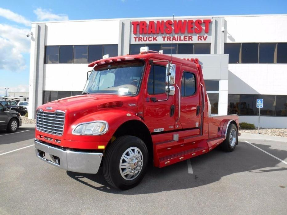 2007 Freightliner Business Class M2 106 Crew Cab