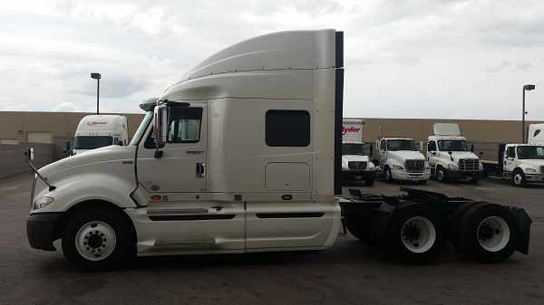 2012 International Pro Lf687 Conventional - Sleeper Truck