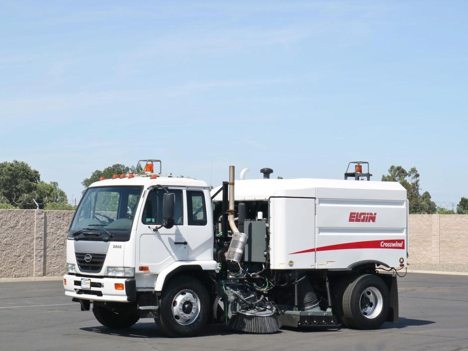 2008 Ud 3300  Sweeper