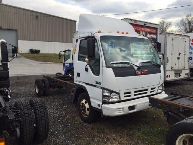 2006 Chevrolet W4500  Box Truck - Straight Truck