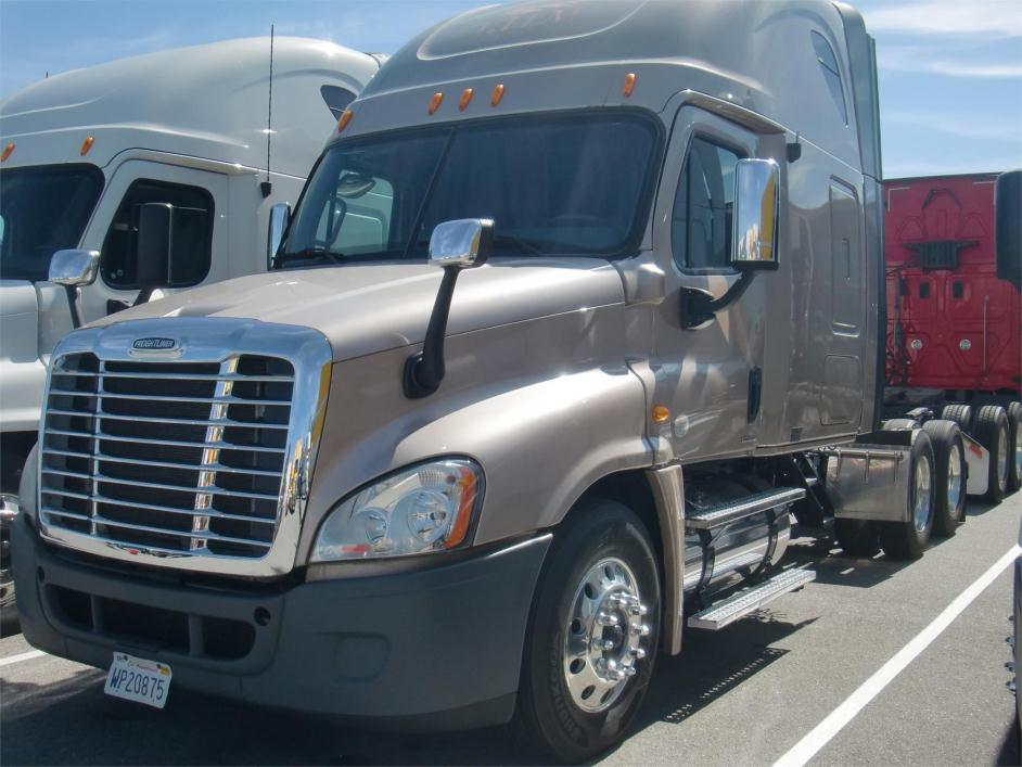 2010 Freightliner Cascadia 125 Cabover Truck - Sleeper