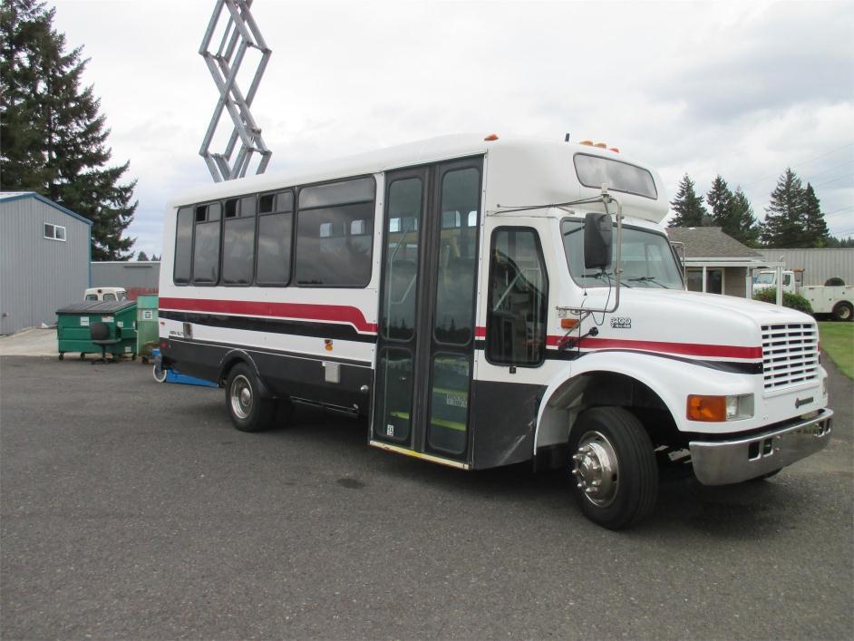 2001 Eldorado National Escort Re Bus