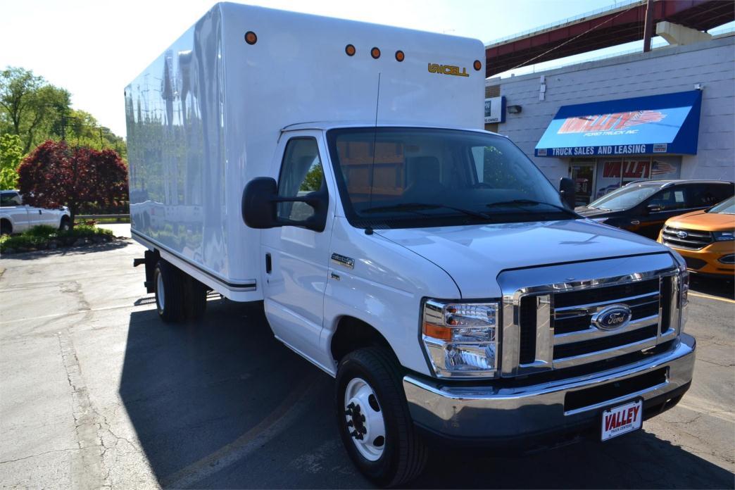 2015 Ford Econovan  Box Truck - Straight Truck