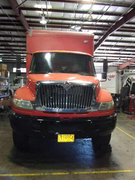 2006 International 4400  Box Truck - Straight Truck
