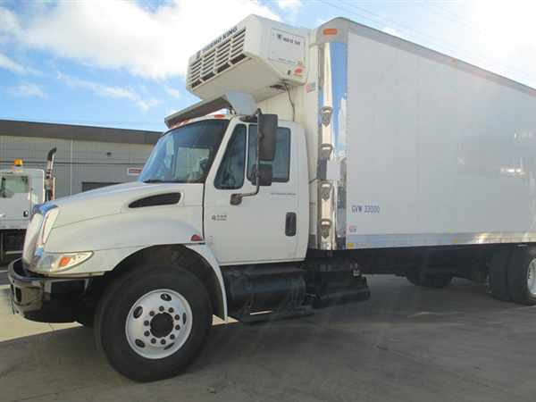 2006 International 4400  Refrigerated Truck