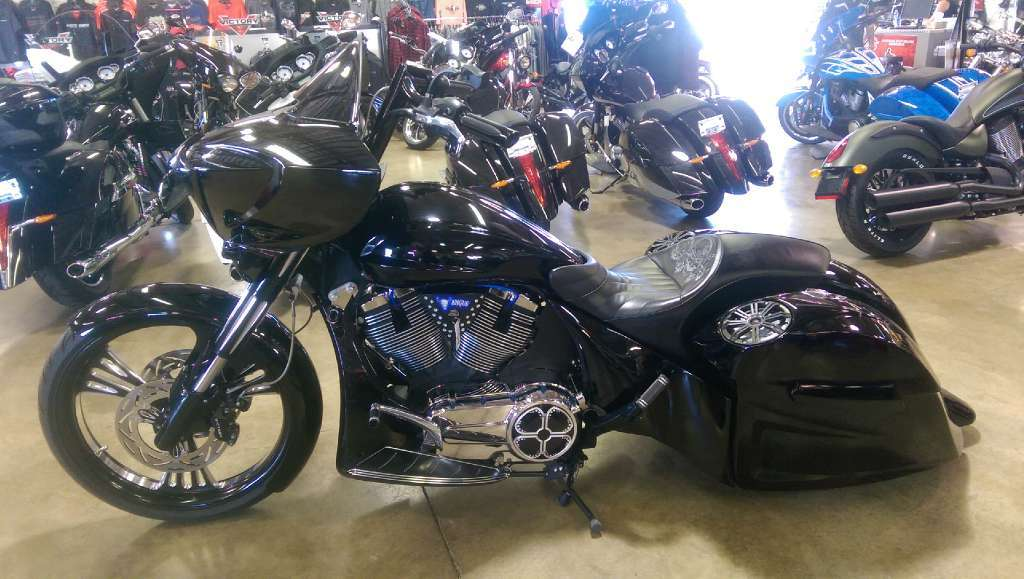 victory cross country custom motorcycles for sale. Black Bedroom Furniture Sets. Home Design Ideas